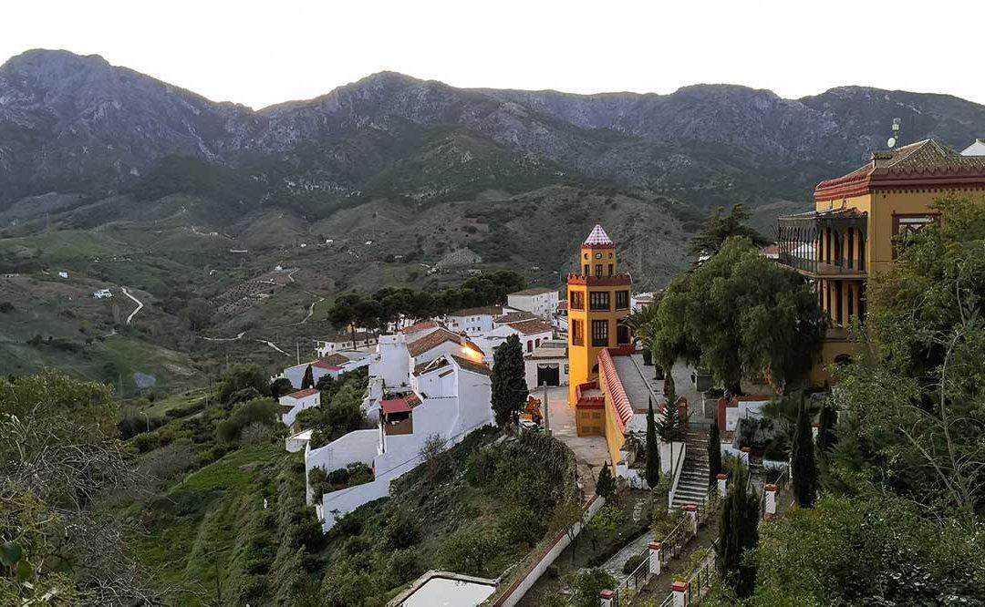 Funderar du på att flytta till Spanien? Carratraca är stället!
